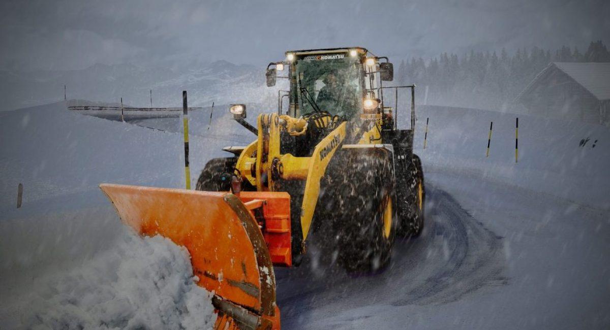 komatsu Snowplow